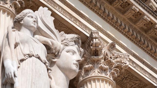 Cour d'honneur du Palais Bourbon - Statue de La force